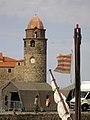 115 Campanar de l'església dels Àngels i tenda militar al port.jpg