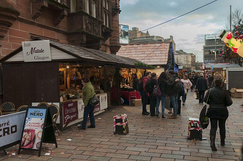 File:16-11-15-Straßenszene Glasgow-RR2 7134.jpg