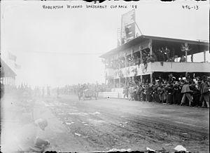 1908 Grand Prix season - George Robertson winning the 1908 Vanderbilt Cup