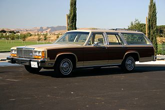 Ford Country Squire - 1982 Ford LTD Country Squire
