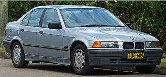 BMW 3 Series (E36) - Image: 1991 1996 BMW 318i (E36) sedan (2011 04 02) 01