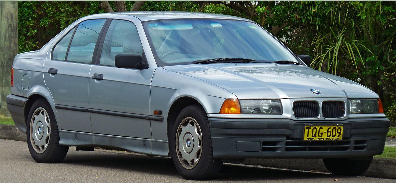 1280px-1991-1996_BMW_318i_(E36)_sedan_(2011-04-02)_01.jpg