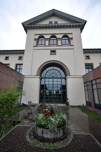 New Castle (Hechingen) - The rear of Burnitz's building, with modern extensions
