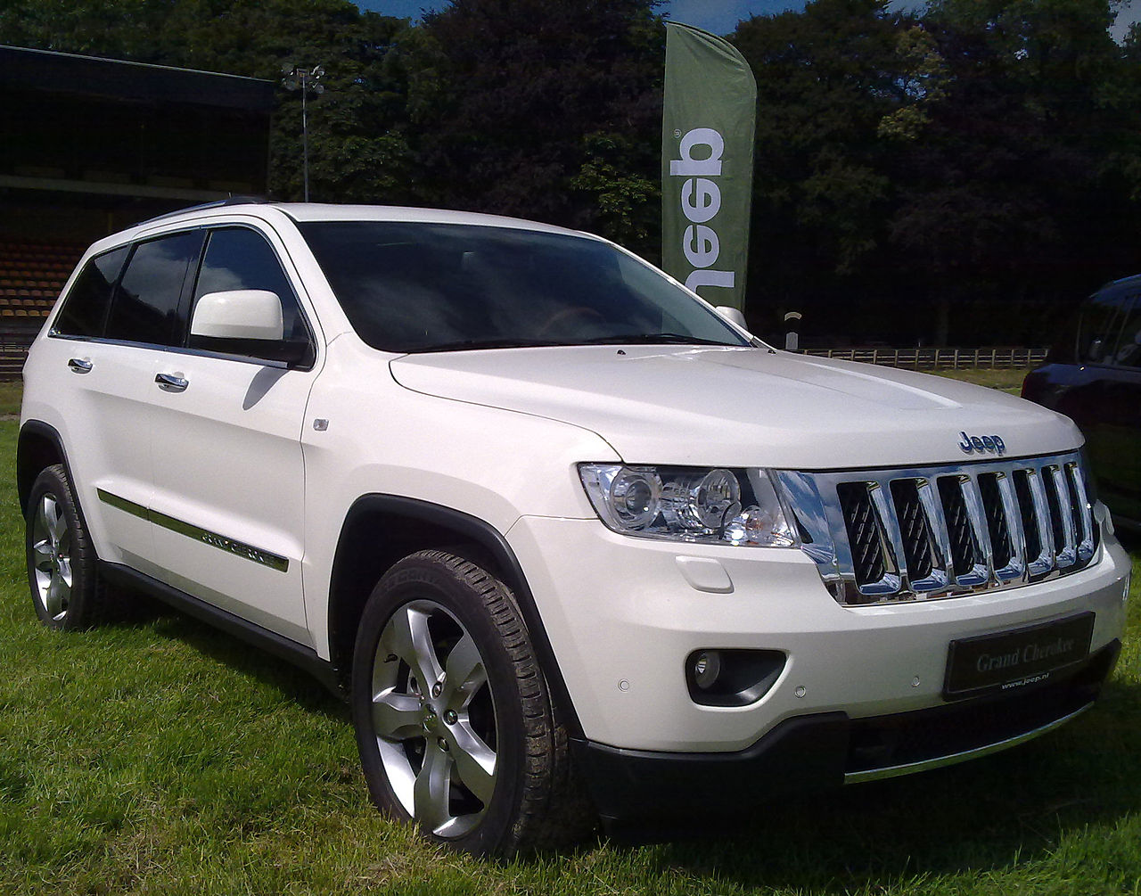 file 2011 jeep grand cherokee wikimedia commons. Black Bedroom Furniture Sets. Home Design Ideas