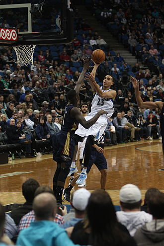 Kevin Martin (basketball, born 1983) - Martin attacking the rim during a game in 2014.