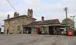 Romsey railway station - Image: 2015 at Romsey station main station forecourt