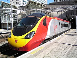 La rame n° 390029 « City of Stoke-on-Trent » en gare de Birmingham New Street.