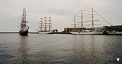 Cutty Sark Tall Ships' Races 2003; Stad Amsterdam, Dar Młodzieży and Dar Pomorza.