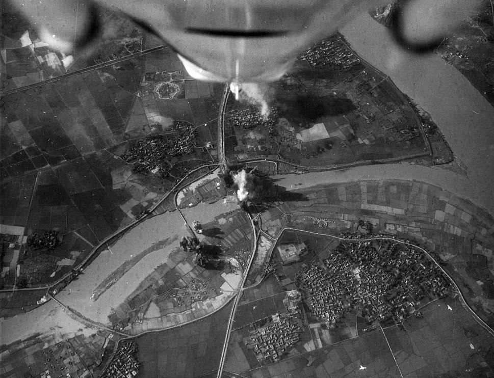 A-4E Skyhawks attacking Phuong Dinh bridge Vietnam 1967