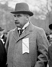 File:A.H. Wiggin & J.P. Morgan, Jr. in 1917 in Manhattan at a war bond parade (Cropped).jpg