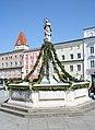 A4240-Brunnen-Hauptplatz 04-2011 01.jpg