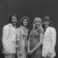 ABBA - TopPop 1974 4.png