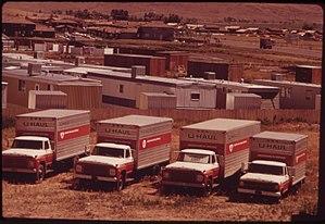 U Haul Moving Truck >> U Haul Wikipedia