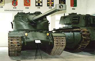 AMX-30 - AMX 50 at the tank museum in Saumur.