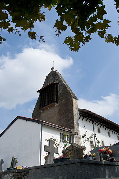 L'église Saint-Laurent est un lieu de culte catholique situé dans la commune de Arbonne, dans le département français des Pyrénées-Atlantiques.