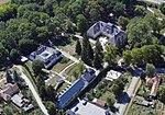 A Gyurcsányi-Prónay kastély fényképe a levegőből.jpg