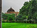 A magnificent Garden View of Qila-i-Kuhna mosque inside Purana QIla.jpg