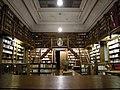 Abbaye de Mondaye - bibliothèque.JPG
