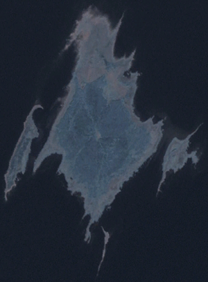 Kasselaid - Kasselaid (right) on the satellite image with neighbouring islands.