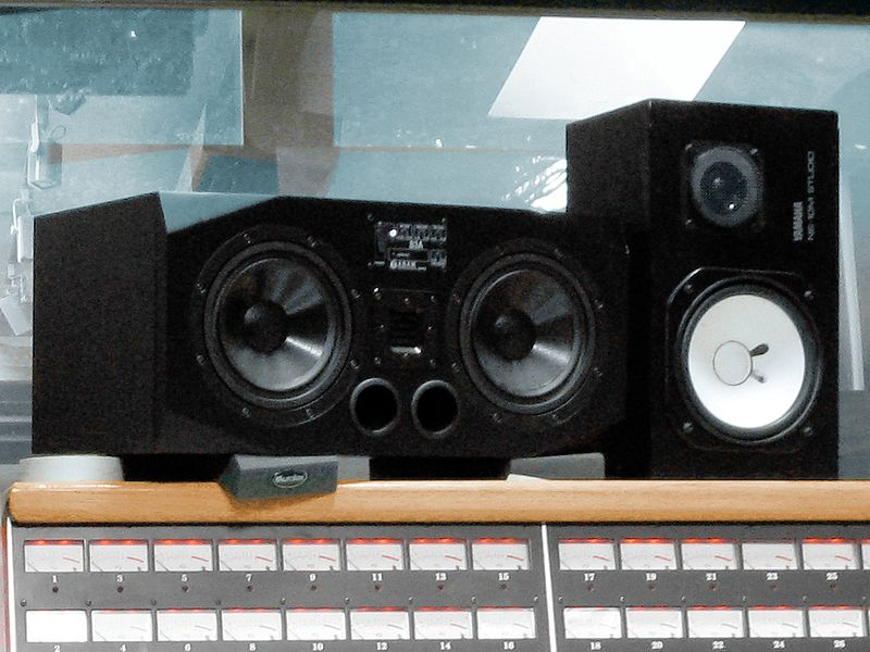 File:Adam S3A & Yamaha NS-10M STUDIO @ Supernatural.jpg