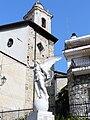 Airole-statua caduti-campanile.JPG