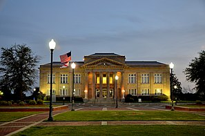 Covington County Courthouse (2012), seit 1991 im NRHP gelistet.[1]