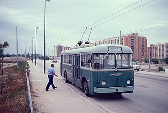 Trolleybuses in Naples - An Alfa Romeo trolleybus on CTP route M15 in Secondigliano in 1983