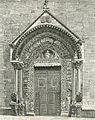 Altamura porta della cattedrale xilografia di Barberis 1898.jpg