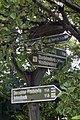 Alter Wanderwegweiser in Schmiedeberg-Buschmühle.jpg