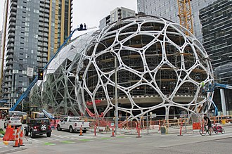 Amazon Spheres - The eastern sphere's steel structure seen in August 2016, during glass installation