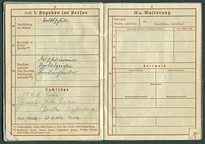 Amtsdokument Paul Fischer 1937 Leutnant Wehrpass Luftwaffe Seite 06 07 Angaben zur Person Nachträge Musterung Entscheid.jpg
