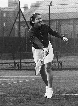 Anita Lizana - Lizana in 1938 at the Queen's Club