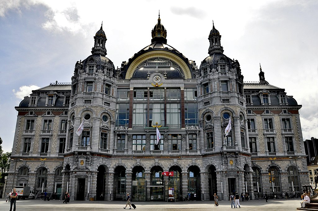 Antwerpen Centraal station 12-07-2010 14-04-17