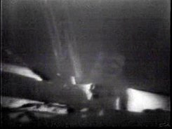 Податотека:Apollo 11 Landing - first steps on the moon.ogv