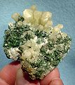 Aragonite-Malachite-209953.jpg