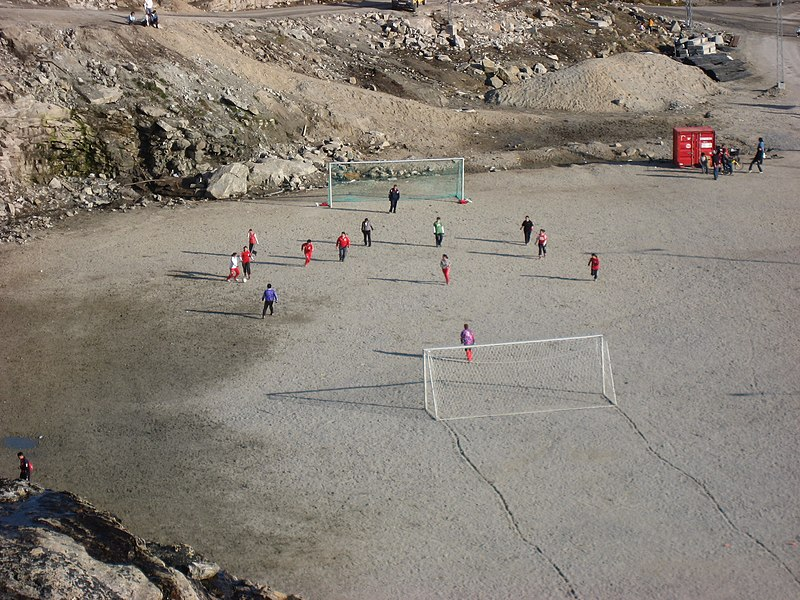 File:Association football women training Upernavik 2007-06-26.JPG
