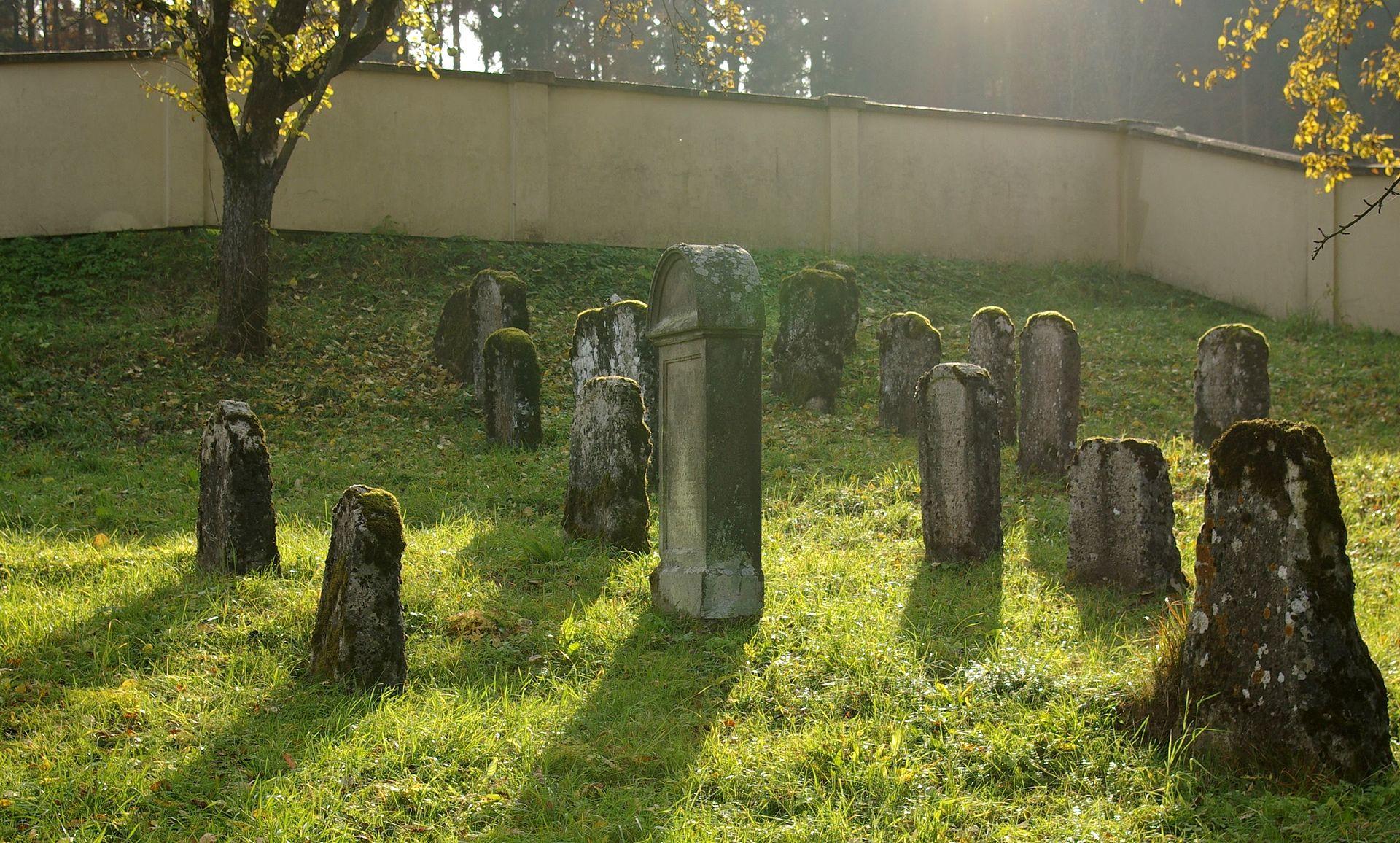 Aufseß Jüdischer Friedhof 003.JPG