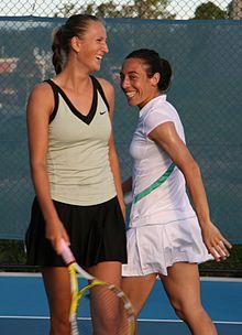 Francesca Schiavone (a destra) e Viktoryja Azaranka al Brisbane International 2009