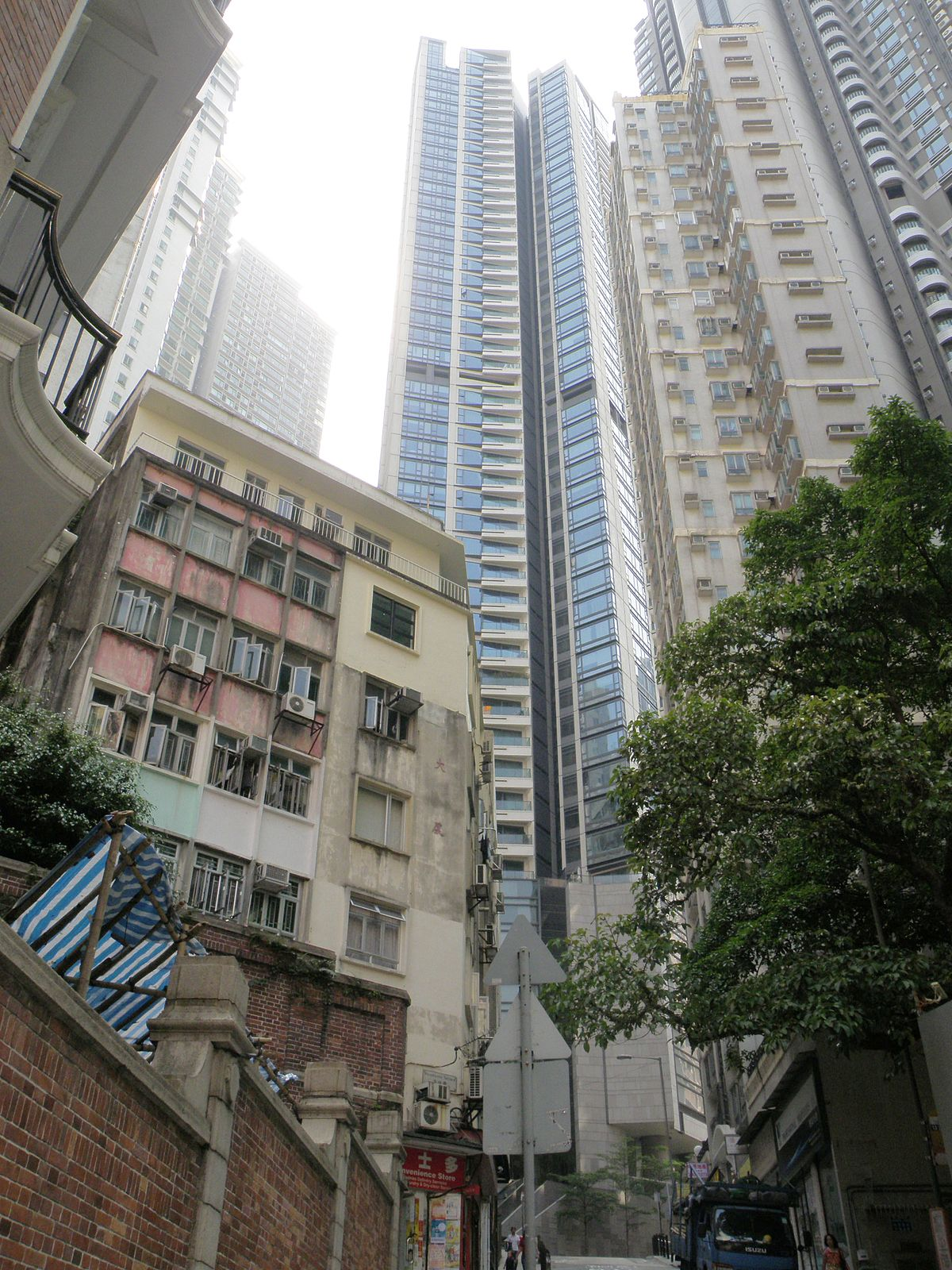 Azura (Hong Kong) - Wikipedia