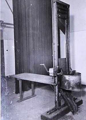 BASA-749K-1-130-5-Gestapo torture instruments.jpg