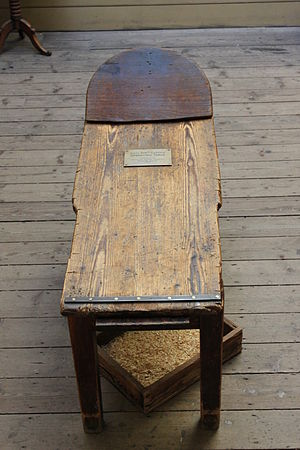 Operating table - A 19th-century operating table.