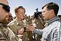 Balkenende-in-gesprek-met-militairen-op-kamp-holland.jpg