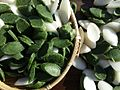 Bangpung (Peucedanum japonicum) tteok for tteokguk.jpg