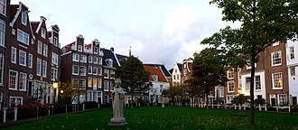 Begijnhof is one of the oldest hofjes in Amsterdam. BegijnhofAmsterdamNederlandPanorama.jpg