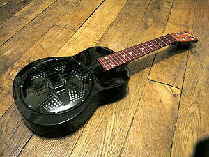 Resonator ukulele - Fiberglass-body reso-uke by Beltona