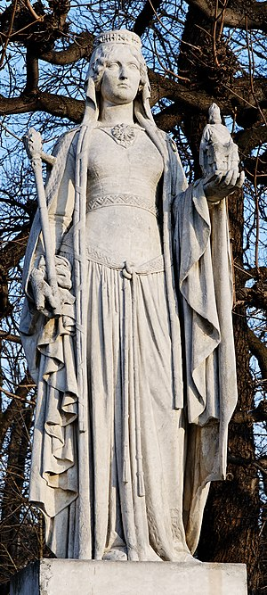 Bertrada of Laon - A statue of Bertrada of Laon by Eugène Oudiné, one of the twenty Reines de France et Femmes illustres in the Jardin du Luxembourg, Paris.