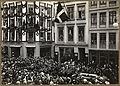 Bjørnsons båre fraktes fra jernbanestasjonen til havna, København, mai 1910. (4534647032).jpg