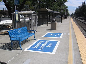 Blossom Hill station (Caltrain) - The Blossom Hill station boarding platform