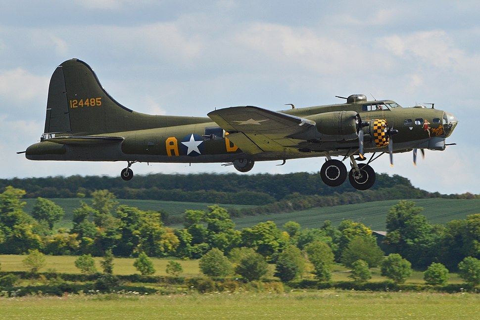 Boeing B-17G Flying Fortress '124485 - DF-A' (G-BEDF) (14423153306)