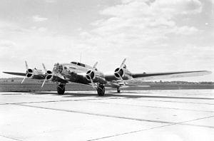 Boeing B-17 Flying Fortress - Model 299 NX13372